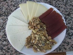 queso-membrillo-y-nueces