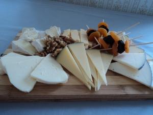 tabla-de-quesos-y-frutas
