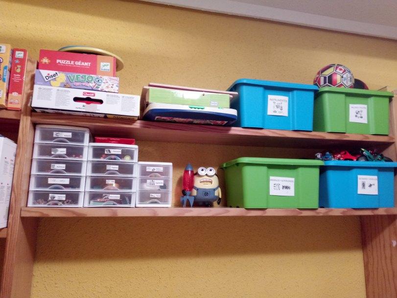 material y juguetes